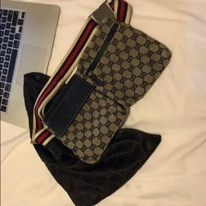 Authentic GUCCI Unisex Fanny Pack